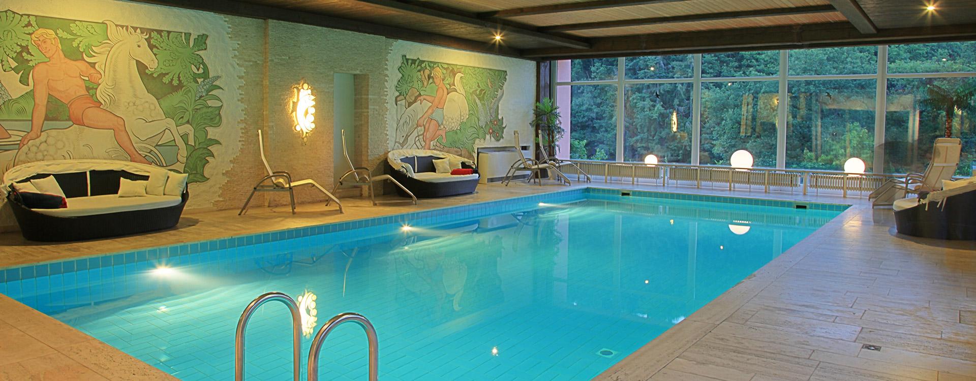 akzent_waldhotel_rheingau_geisenheim_wellness_schwimmbad_02